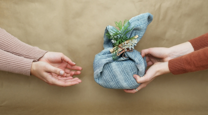 zero-waste-gift-guide-by-price-featured-image